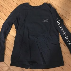 Traditional Vineyard Vines long sleeve with pocket